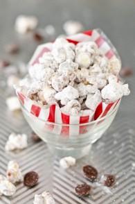 Muddy Buddy Popcorn (Chocolate Peanut Butter Popcorn)